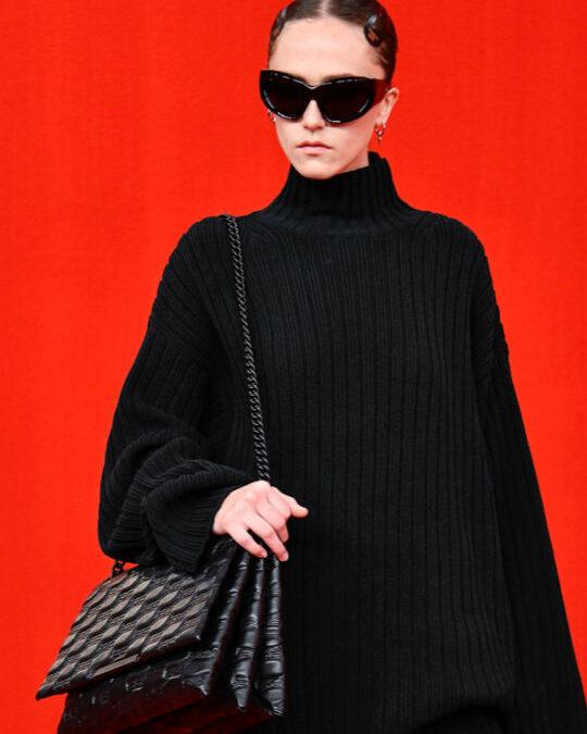 Balenciaga Brings on the Red Carpet